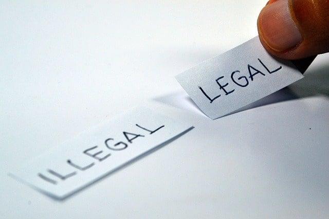 legal-1143114_640-min