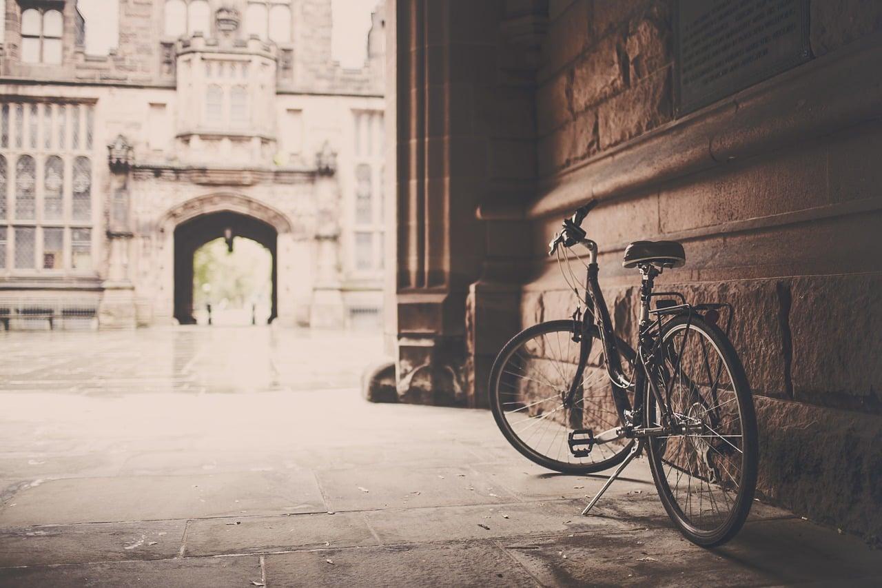 bild gps tracker fahrrad allein 2 - Warum einen Fahrrad GPS Tracker kaufen?