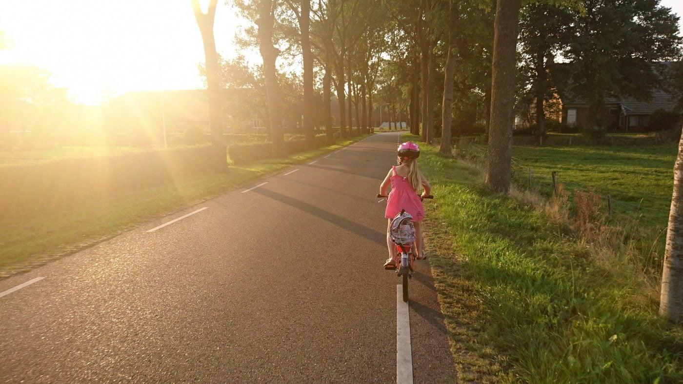 bild anwendungsgebiet gps tracker kind fahrrad 1400x787 - AG GPS Tracker für Kinder