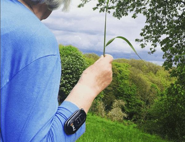 bild gps tracker senioren easy finder - AG GPS Tracker für Senioren
